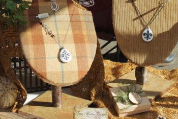 Unique craft fair jewelry stands: Tutorial