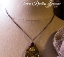 Grape leaves necklace