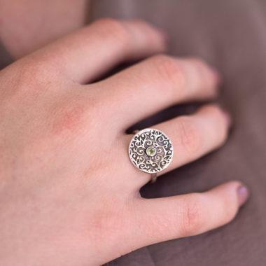 Swirl Leaf Round Ring with Peridot Gemstone-Terra Rustica Jewelry
